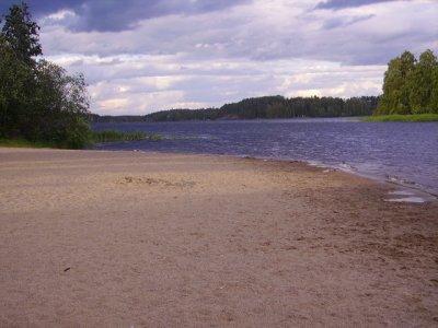 Uimaranta huushollin rannassa